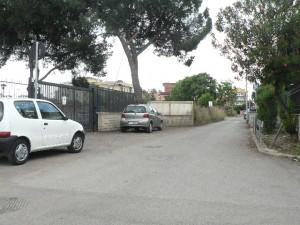 Foto del 2008, via Varvariana, sulla sinistra era ubicata una delle due Tenute di Pizzuti, l'altra era in via di Orti Poli.