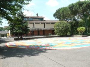 Foto del 2008, altra panoramica del piazzale con l'infiorata.
