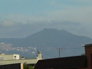 Foto del 2007, Monte Cavo e Rocca di Papa viste da Giardinetti.