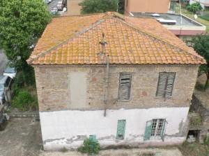 Foto del 2007, una delle prime abitazioni edificate a Giardinetti, situata nella via omonima al civico 49, costruita nel 1927, in fase di restaurazione.