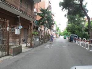 Foto del 2008, via di Orti Poli, sul lato sinistro della strada fino a Largo Raimondi, era situata una delle due Tenute Pizzuti, l'altra era in via di Varvariana.