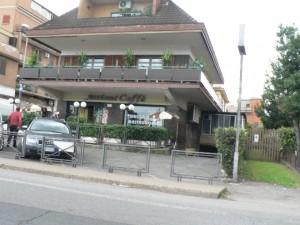 """Foto del 2008, in questa abitazione ci viveva un mito di Giardinetti chiamato """"er Moro"""", della Famiglia De Carli, oggi ristrutturata e parte è adibita a bar."""