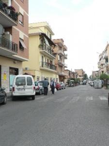 Foto del 2008, inizio di via Giardinetti, vista da via Casilina.