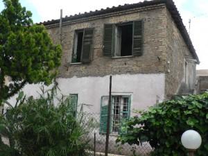 Foto del 2008, Particolare della casa costruita nel 1927, al civico 49 di via Giardinetti.