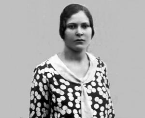 Foto del 1930, Rosa MARONI nata nel 1912, quarta di dodici figli tutti nati al Castello di Torrenova.