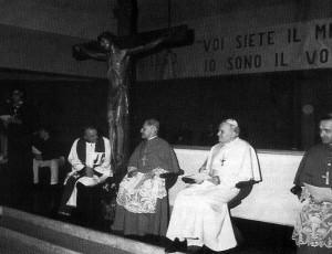 Foto del 1988, Giovanni Paolo II in visita pastorale.