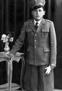 Foto del 1939, Luigi MARCHETTI in via dei Giardinetti, morì durante la seconda guerra mondiale, affondò con la sua nave nello stretto di Gibilterra.