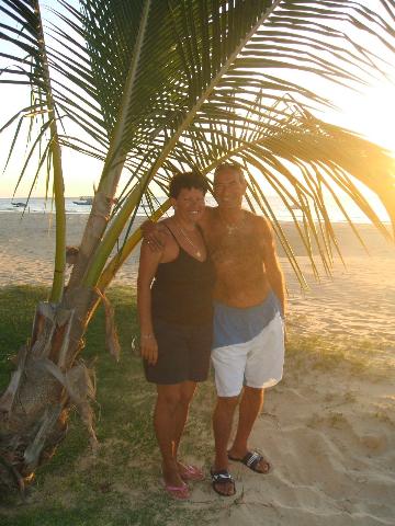 lauramarcello-beach