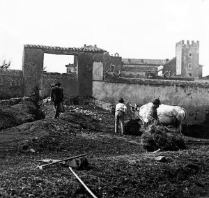 Foto del 1927, particolari del castello.